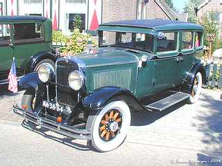 A picture review of the nash from 1919 to 1942 for 1927 nash 4 door sedan