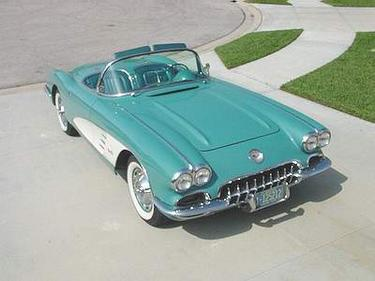 Corvette Stingray    on 1960 Corvette C1