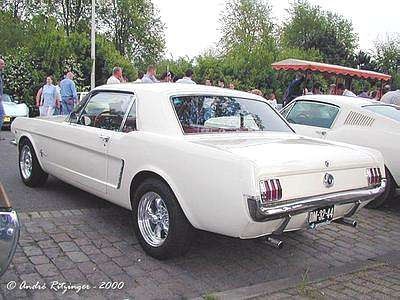 1965 mustang 2 2 a picture review of the ford mustang