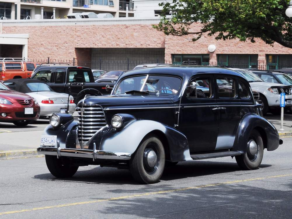A picture review of the oldsmobile from 1901 to 1949 for 1938 oldsmobile 2 door sedan