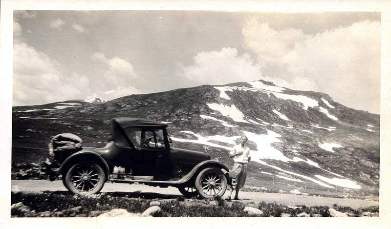 Picture review of the Studebaker from 1902 to 1939